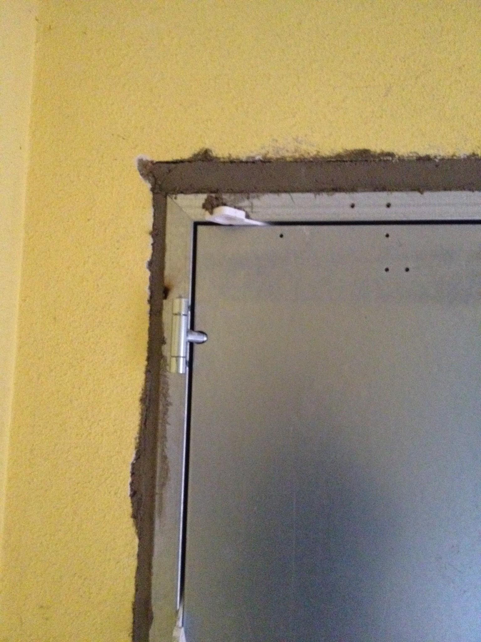 Résidence HLM - Installation de portes métalliques de type HEINEN métal+, pour sécuriser les accès cave