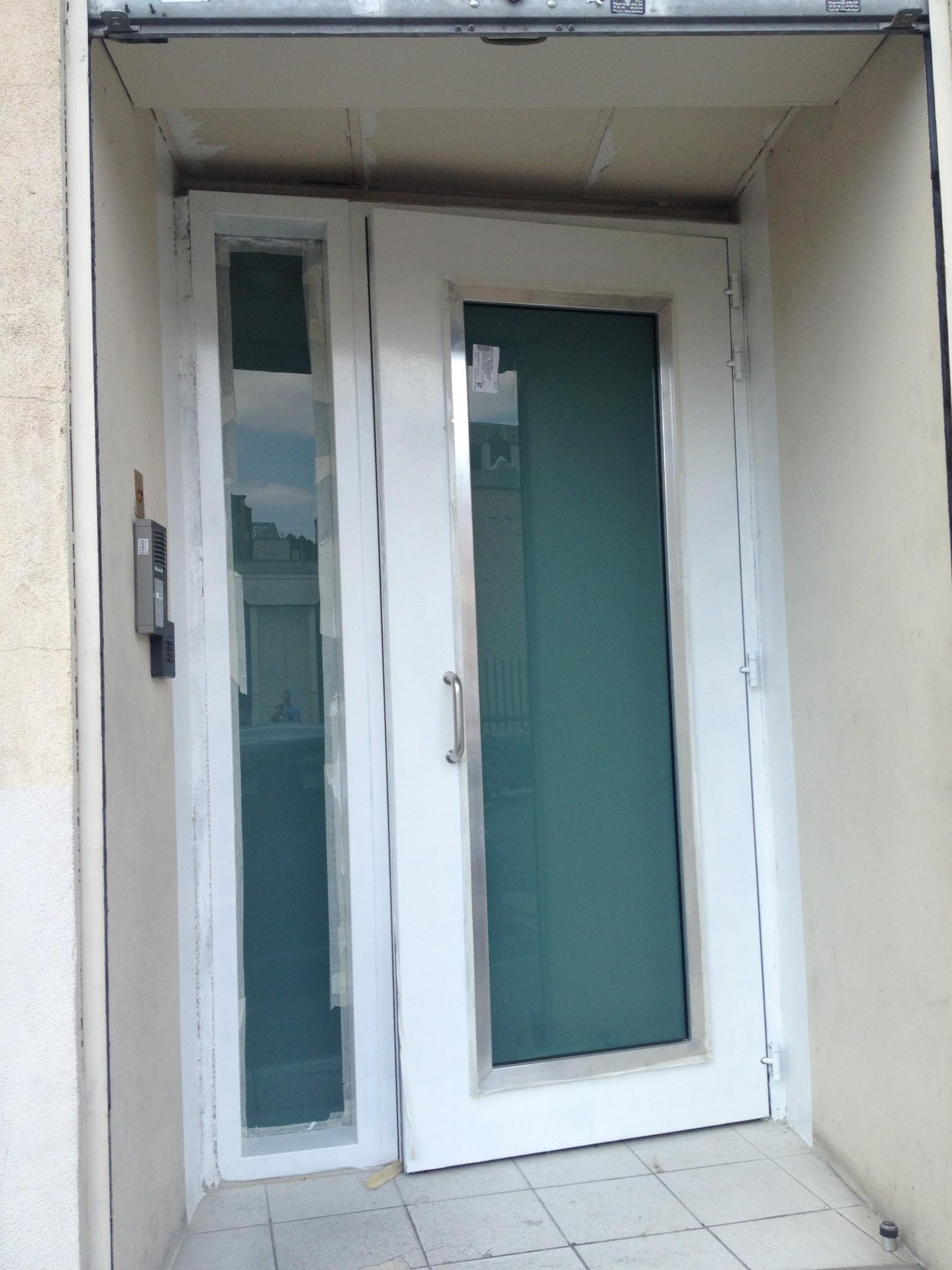 Porte classe 4 vitrée avec imposte latérale et serrure BIGSUR