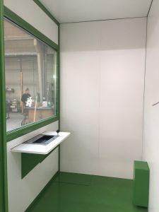 kiosque vue intérieure avec habillage